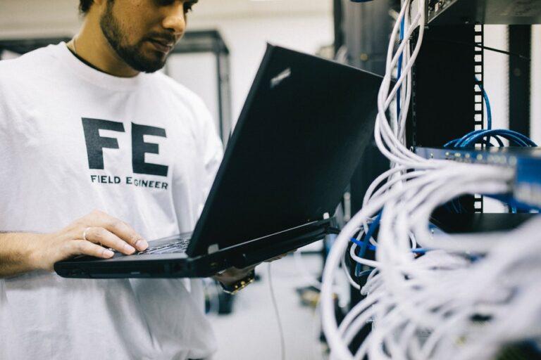 ¿Cuánto cuesta el mantenimiento de un computador?
